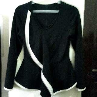Black & White Long-Sleeved Blouse!