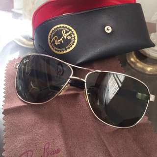 Ray.Ban sunglasses (authentic made in italy)