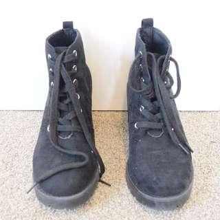 Garage Black Boots