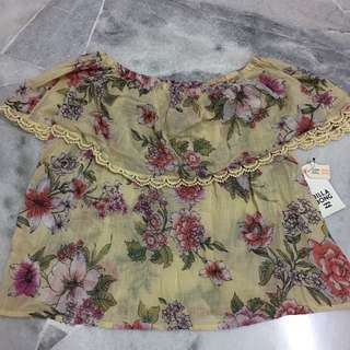 Billabong 2 way Floral top