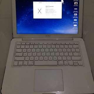 Macbook mid-2010