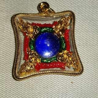 Amulet Double King Naga With Blue Eye(双泰國神龙) 。