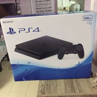 Slim PS4 Console Jet Black 500GB