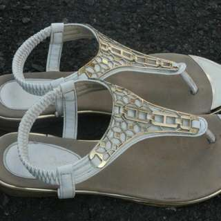 Sandal Nine West