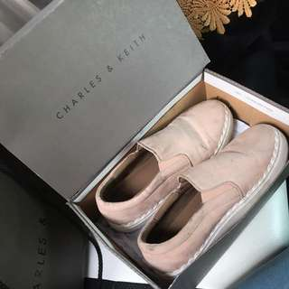 Charles & Keith Sepatu Slip On Original