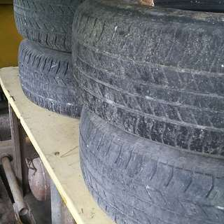 Bridgestone 265.65 R17