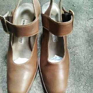 Sepatu Sergio Valentino
