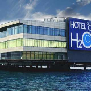 HOTEL H2O - Accommodation with Breakfast