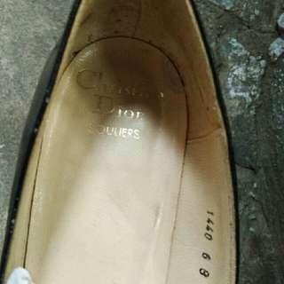 Sepatu Christian Dior
