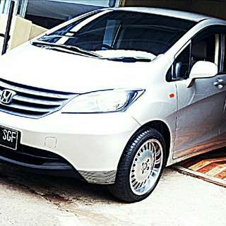 Honda Freed Silver 2012