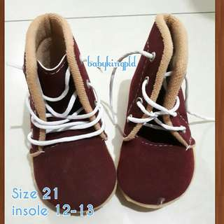 Baby Shoes / Boots - Maroon (21)