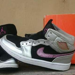 Air Jordan 1 Phat Mid