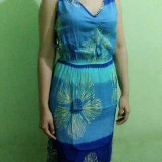 Blue Dress Pantai