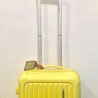 STILL AVAILABLE 🤗🤗🤗 Cute Yellow Hand Carry Luggage
