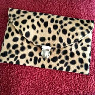 Leopard Clutch