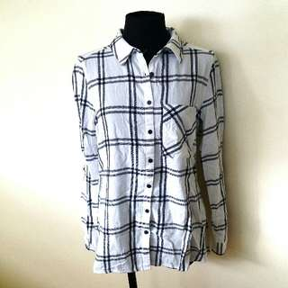 Forever 21 Plaid Long Sleeved Button Down Shirt
