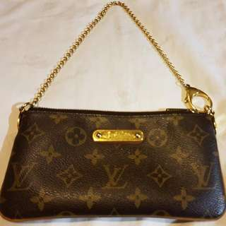 Louis Vuitton Milla MM Clutch in Monogram Canvas (with BOX, DUSTBAG AND PAPERBAG)