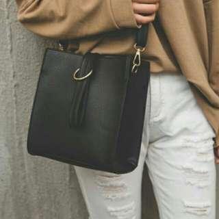 (FLASH SALE) Minimalist Leather Vintage Crossbody Bag!