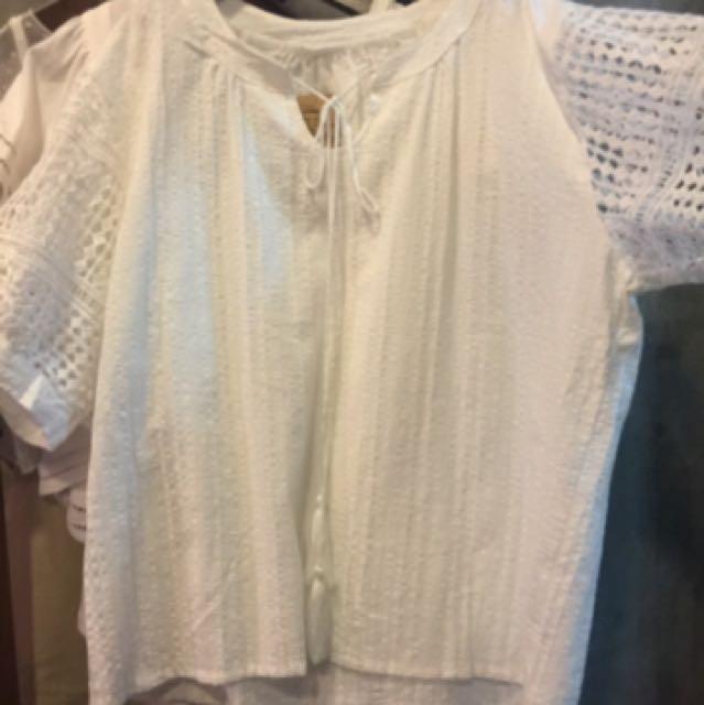 日系棉麻素面白色上衣