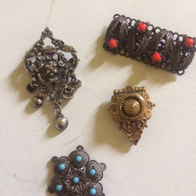 Antique 1800's Jewellery Brooches Pendant
