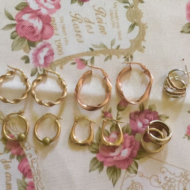 Assorted 9ct gold earrings hoops