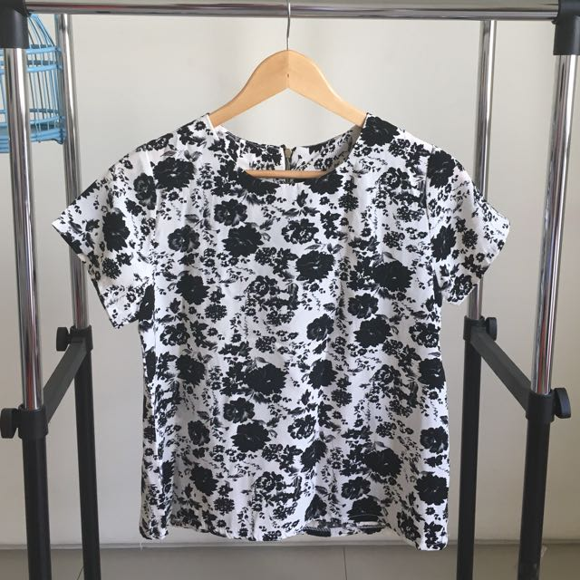 black n white flower blouse