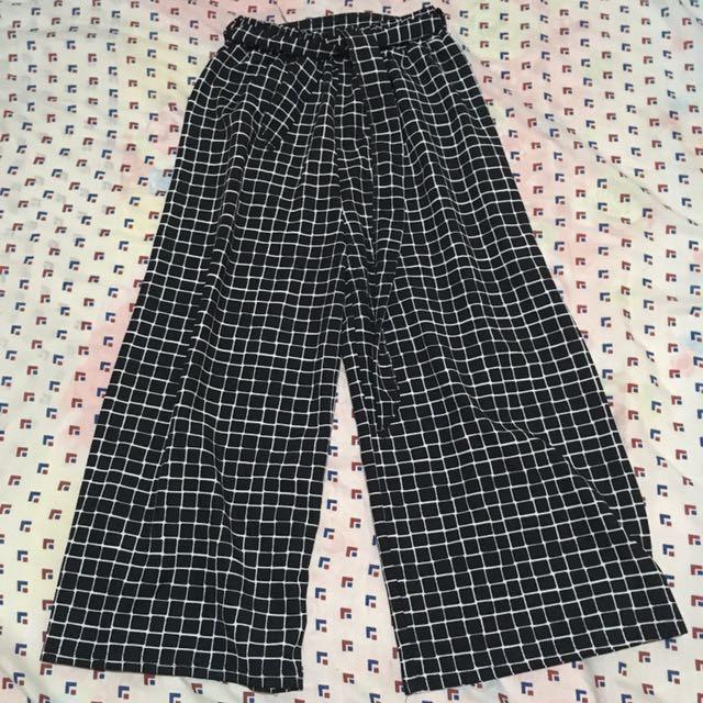 Black Squarepants