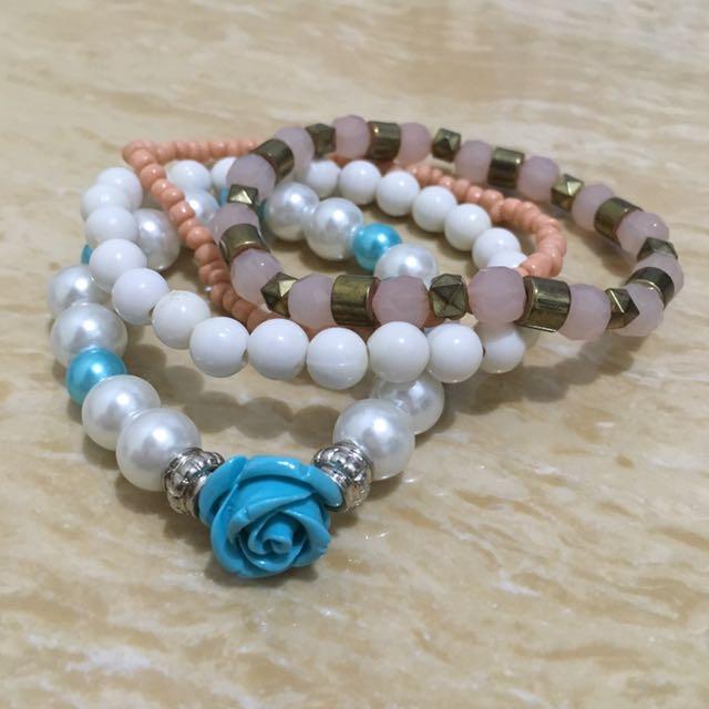 Bracelets / Gelang