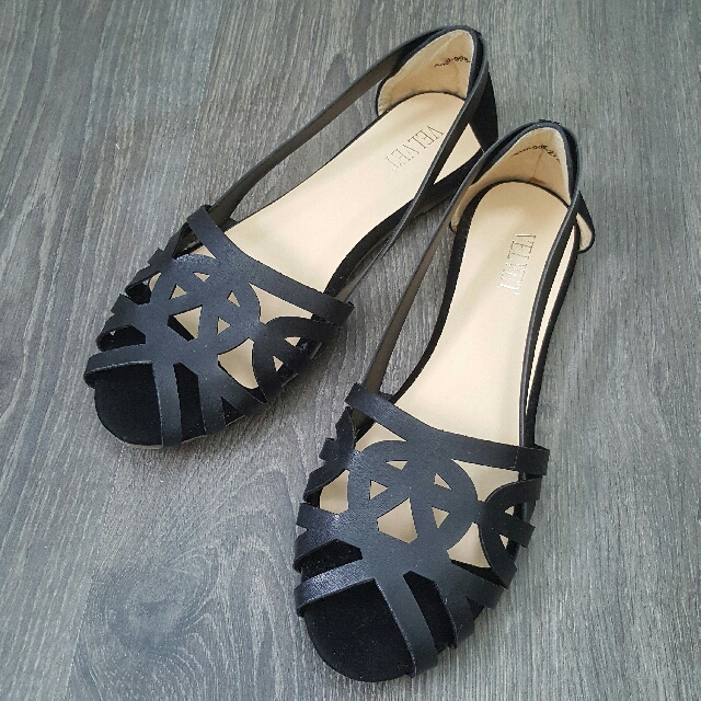 """Brand New """"Eveline"""" Cut-out Flats Size 38"""