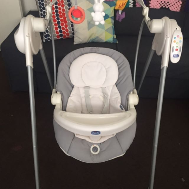 CHICCO baby Swing 2015