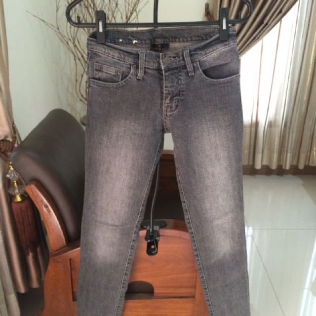 dust jeans