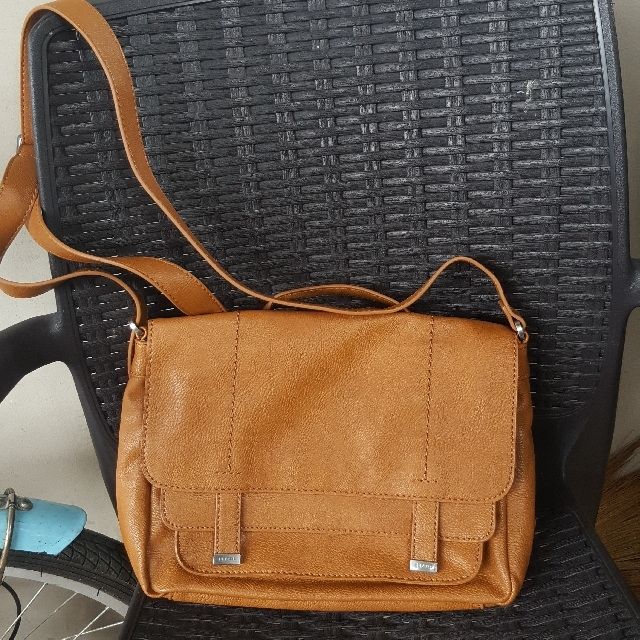 Esprit Authentic Bag