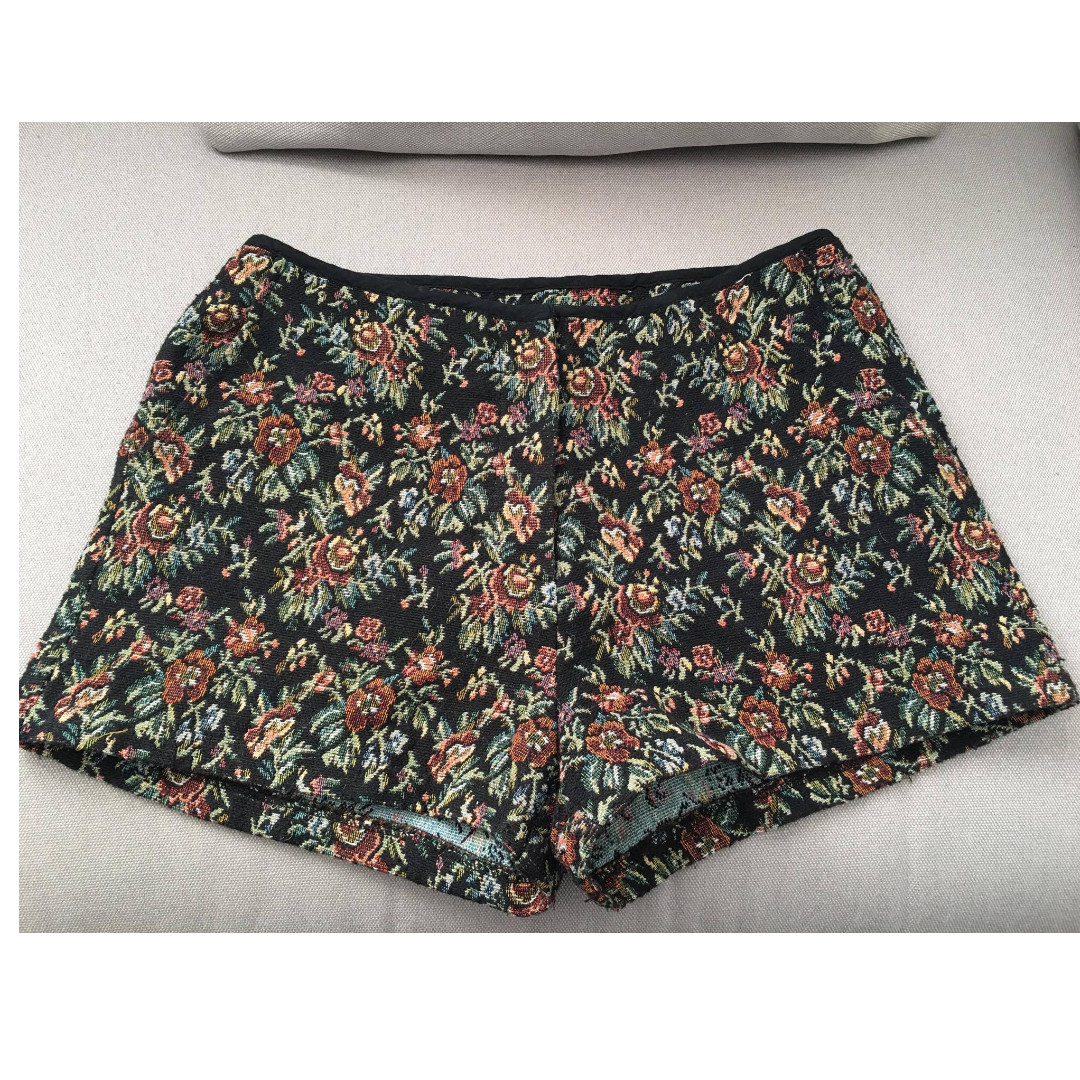 FREE POSTAGE - Pre Loved Dress Shorts