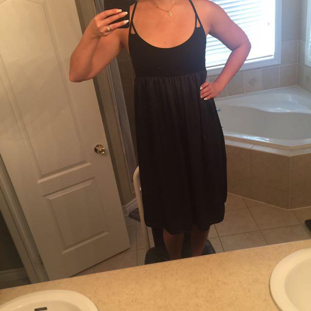 GAP Black knee length dress ***BRAND NEW*** Size XS