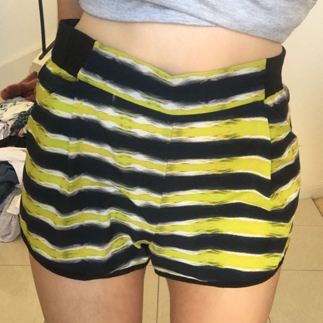 High Waisted Pattern Shorts