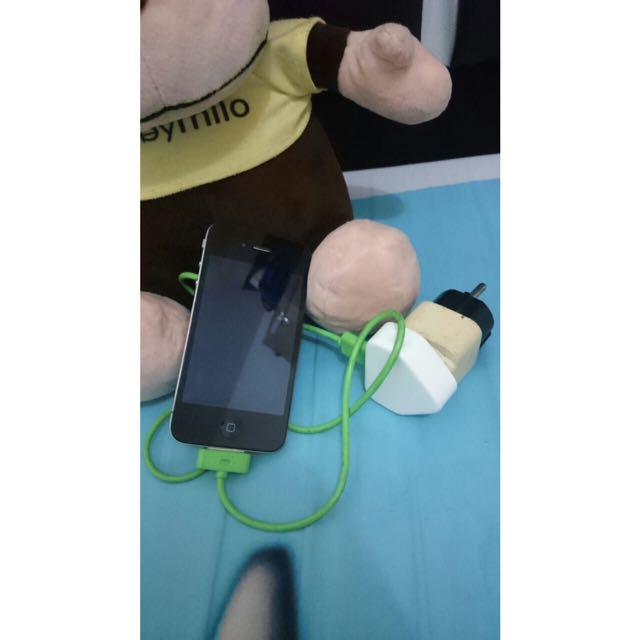 iPhone 4 Black 32GB Lock iCloud (Nego)