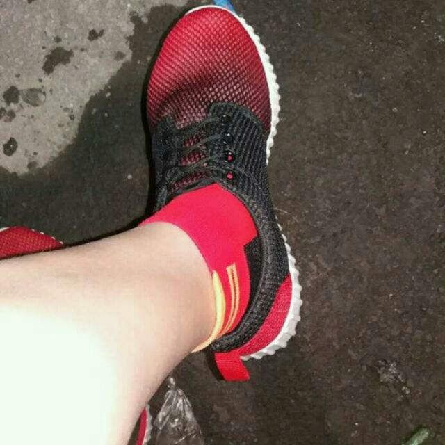 Lazada Sports Shoes Size9