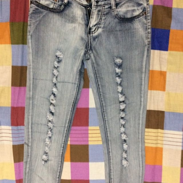 Skinny Ripped Jeans-FREE SHIPPING on worth 500.00 purchase