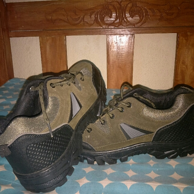Safety shoes for men and women
