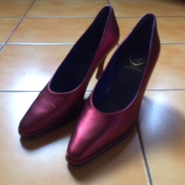 Sara Navarro緞面紅色跟鞋