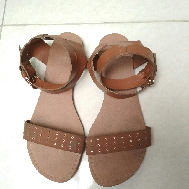 Sepatu Sandal Christian Siriano Payless