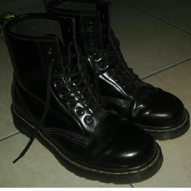 [TITIP JUAL] Dr Martens 8 Holes (REPLACED BOX)
