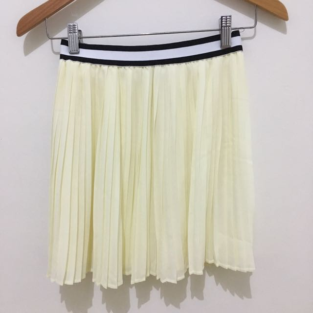 Zalora - Ivory / Broken White Pleated Skirt