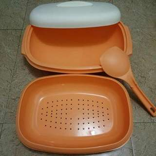 Tupperware Oval Colander Serve