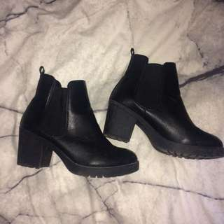 Chucky Black Boots
