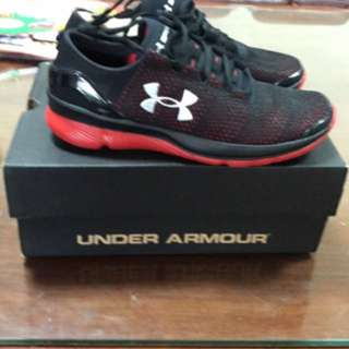 UNDER ARMOUR 男童 運動鞋 US4.5Y