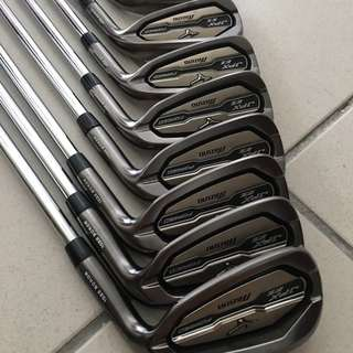 Mizuno JPX EZ Forged Iron 2016 with regular steel shaft