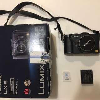 Panasonic Lumix LX5 Digital Camera (black)