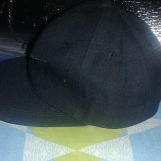 penshoppe and nike cap