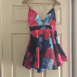 Semi Formal Dress 🌹❤️️